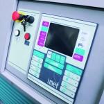 Particolare costruttivo del pannello di comando a controllo numerico della segatrice Imet X-Tech